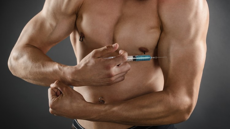 man-injecting-steroids